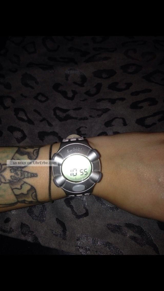 Swatch Beat Vintage Uhr Retro 90er Digitaluhr Sammlerstück Armbanduhren Bild