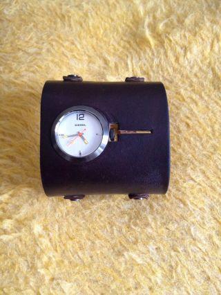 Diesel Armbanduhr,  Sehr Breites Lederarmband,  Braun Bild