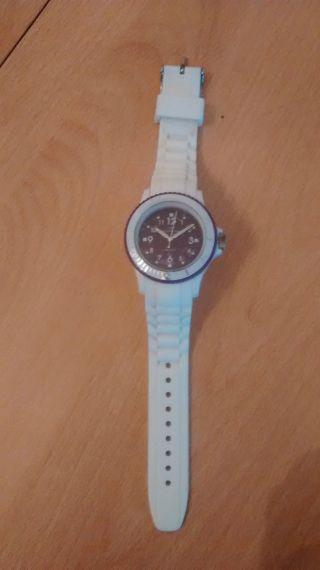 Armbanduhr Weiß/lila Neuwertig Bild