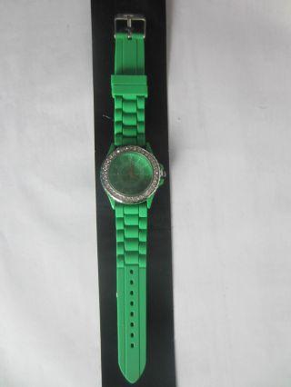 Damenuhr Mit Grünem Armband Bild