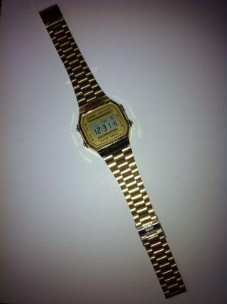 Armbanduhr Casio In Goldfarben Bild