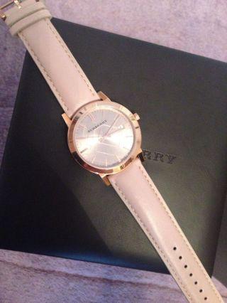 Burberry Damenuhr Rose Rosegold Gold The City Lederband Quarz Saphir Uhr Bild