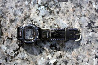 Casio Armbanduhr Illuminator Dunkelblau Bild