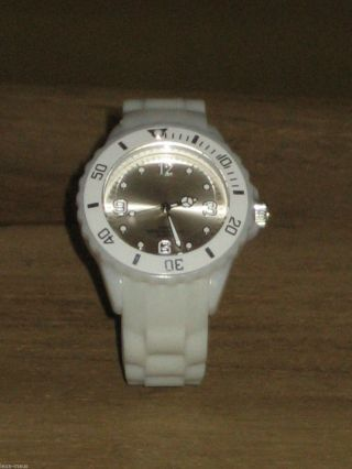 Sehr Schöne Armbanduhr - Silikon - Uhr - Silikonuhr Ansehen Lohnt Bild