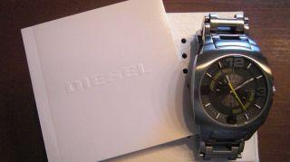 Diesel,  Coole Silberne Herren Uhr,  Modell D21146,  Der Hingucker,  Wie Bild