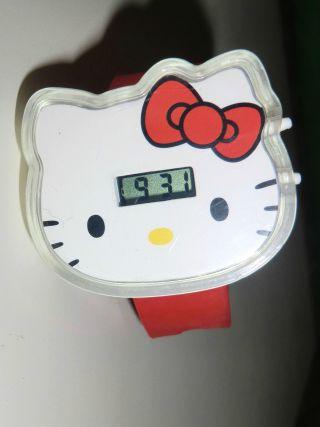 Hello Kitty ♥ Armbanduhr ♥ Rotes Armband ♥ Digitale Anzeige ♥ Mädchen ♥ Bild