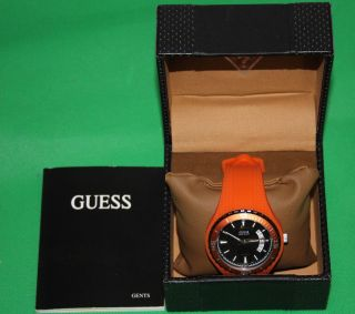 Guess Herren - Armbanduhr Mit Datum W95143g5 Analog Quarz - Silikon Orange In Ovp Bild