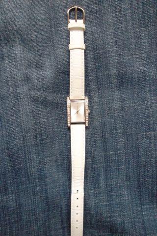 Damenarmbanduhr,  Weiß Mit Lederband Bild