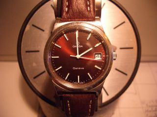 Omega Geneve Handaufzug Ref.  1360102 Mit 28800 A/h Und Datumschnellschaltung Bild