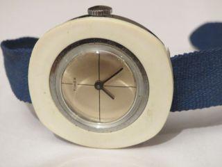 Sehr Schöne Modeuhr Timex Damenuhr Mit Handaufzugswerk Uhr Läuft 70er Jahre Toll Bild