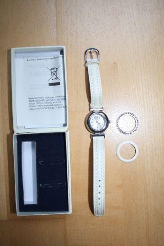 Neue Damen Armbanduhr,  Beiges Lederarmband,  Wechselbares Gehäuse,  Länge 19,  5 Cm Bild