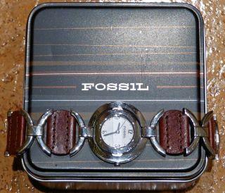 F2 Neuwertige Fossil Fs1976 Damenuhr,  Rund In Leder/chrom - In Schmuckdose Bild