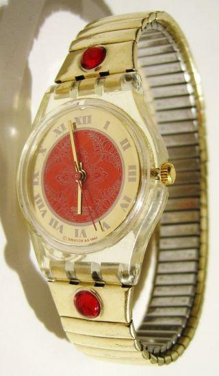 ♥♥ Hübsche Goldene Swatch Mit Roten Glitzersteinen ♥ Gold Rot Damen Mädchen Uhr Bild