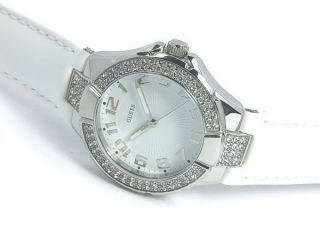 Guess Damenuhr Mini Prism White Lackleder Damen Uhr W95137l1 Ladies Watch Bild