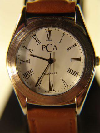Pca Klassische Armbanduhr Mit Römischen Ziffern Ø 3,  3 Cm Ungetragen Neue Batteri Bild
