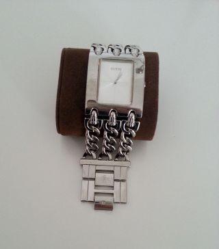 Guess Heavy Metal Armbanduhr Für Damen In Silber Bild
