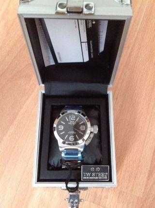 Tw - Steel 300 Armbanduhr Bild