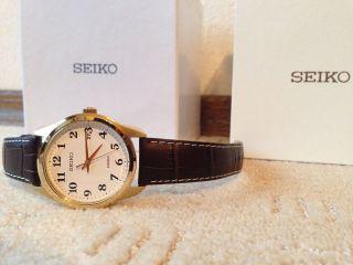 Originale Seiko Uhr,  Herren,  Lederarmband Braun,  Ziffernblatt Weiß,  Top Bild