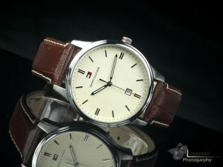 Ausverkauf Tommy Hilfiger 1710282 Herren Uhr Multifunktion Mit Datum Bild