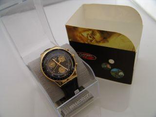 Swatch Uhr Irony Edelstahl Chrono James Bond 007 Goldfinger Ycg401 Seltenheit Bild