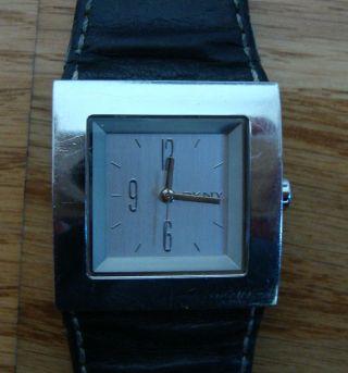 Dkny Donna Karan - Armbanduhr Damen - - Funktioniert - Leder Schwarz Bild