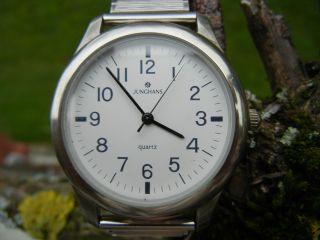 Junghans Quartz Uhr Einfach Abzulesen; Praktisch Bild