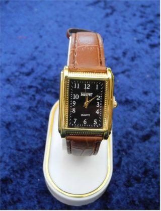 Sehr Schöne Damen Uhr - Leder Optik Uhrband Braun - Mit Dornschließe - X - Mas Bild