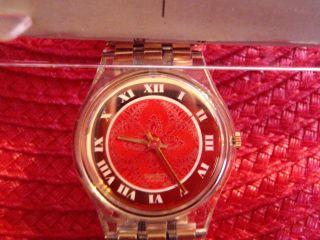 Neue Damen Swatch Uhr Sammlerstück In Ovp Farbe Gold Bild