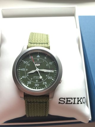 Seiko 5 Military In Ovp. Bild