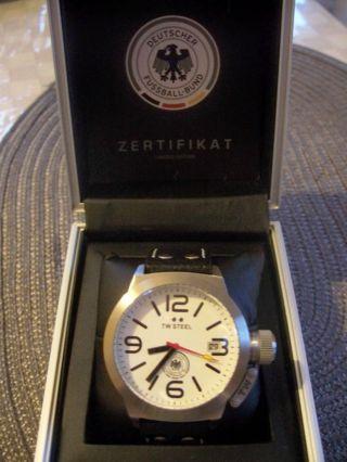Rarität Tw Steel Dfb Uhr Nr.  222 Von 500 Bild