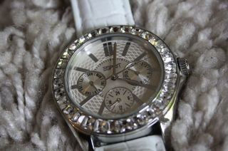 Esprit Damenuhr Silber Mit Weißem Lederband,  Chronograph Mit Strass - Wie Bild