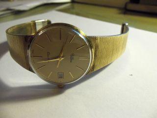 Ultra Quarz,  Armbanduhr,  Golden,  Bauhaus - Stil,  Sehr Schön,  älteres Modell,  Batte Bild