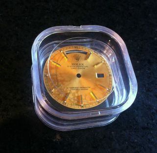 Rolex Day - Date Zifferblatt / Dial – Gold – Vintage Bild
