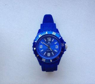 Top Sportlich U.  Moderne Unisex Uhr V.  Bellos•blau•armbanduhr Mit Silikon - Armband Bild