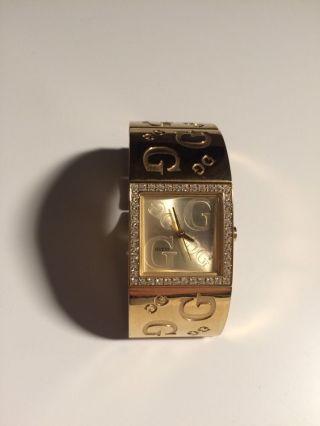 Edle Goldene Guess Armbanduhr Bild