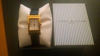 Tommy Hilfiger,  Uhr,  Damenuhr,  Lederarmband,  Gold,  2 Uhren In 1 Bild