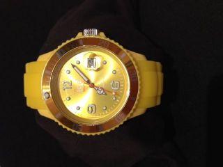 Hübsche Ice Watch Armbanduhr In Gelb Bild