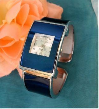 Traumhafte Damen Spangen Uhr - Tolles Blau - Eckige Form - Hingucker Bild