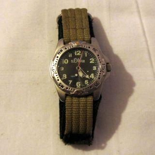 Armbanduhr S.  Oliver 100 Meters Wr Armband Stoff Klettband Grau Schwarz Analog Bild