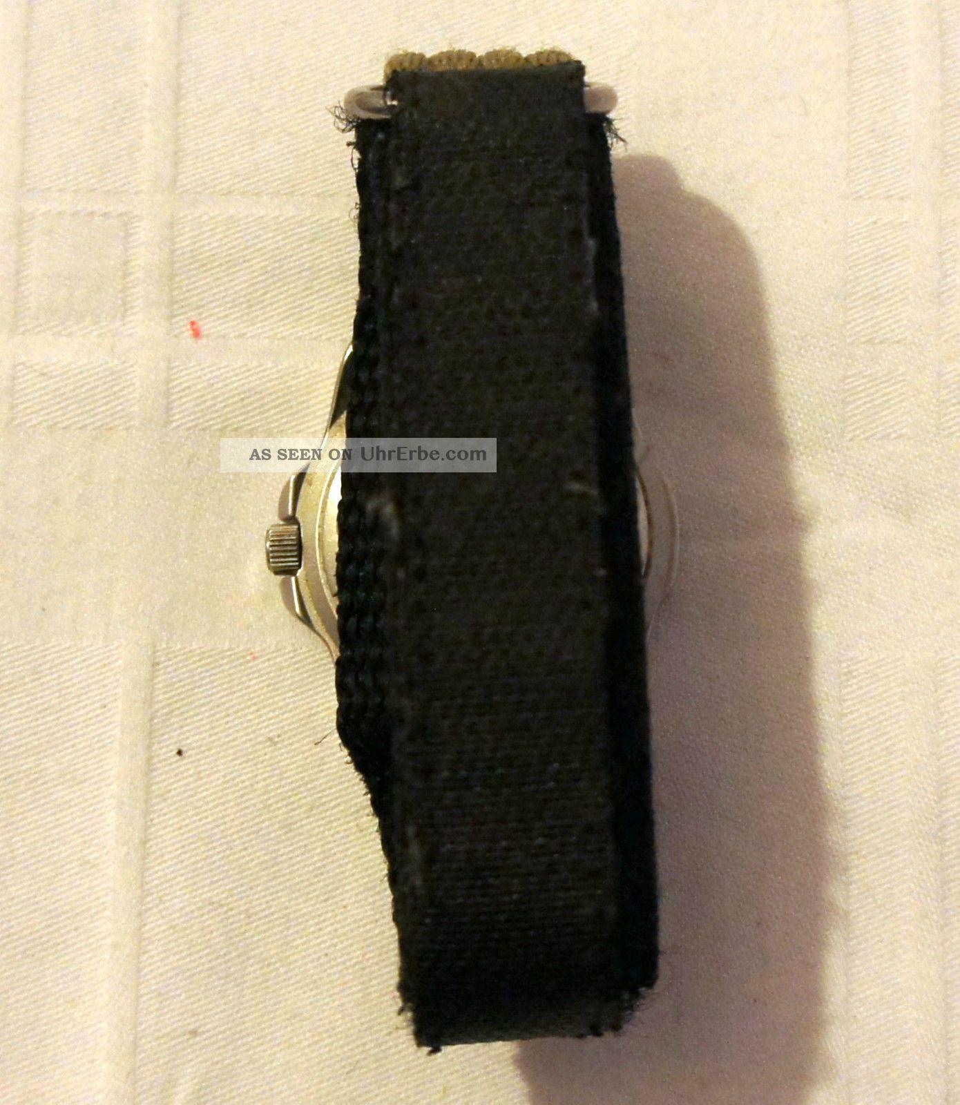 armbanduhr s oliver 100 meters wr armband stoff klettband. Black Bedroom Furniture Sets. Home Design Ideas
