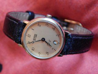 Goldene Vintage Damenarmbanduhr Von Bwc Swiss Bild