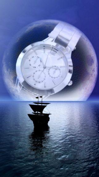 Damenuhr Silber Mit Weißem Silikon - Armband Bild