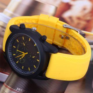 Neuer Charakter Convex Black Dial Girls ' Rubber Strap - Quarz - Uhr Gelb Bild