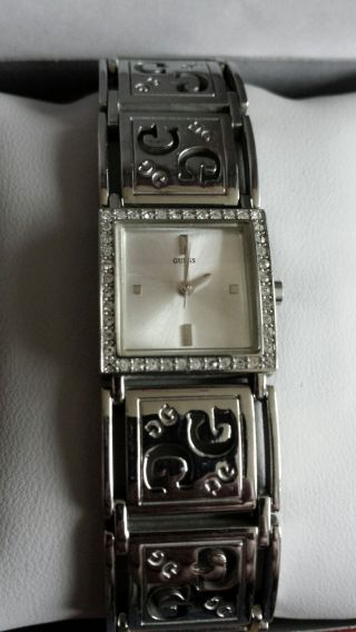 Guess Armbanduhr // Silber - Verpackung Bild