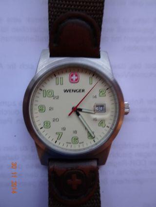 Wenger Swiss Uhr - Field Classic - Mit Nylon / Leder - Armband. Bild