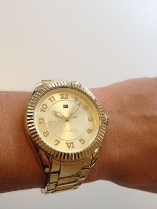Goldene Tommy Hilfiger Uhr 1781345 Armbanduhr Damenuhr Edelstahl Fast Bild
