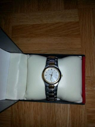 Damen Tissot Uhr Bild