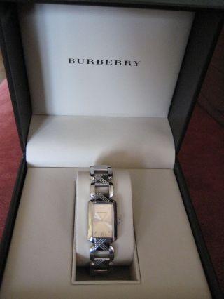 Damenuhr Burberry,  Bu4212,  Edles Design,  Designerarmbanduhr Bild