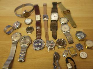 Konvolut Von 22 Mechanischen Armbanduhren Für Bastler Uhrmacherauflösung Bild