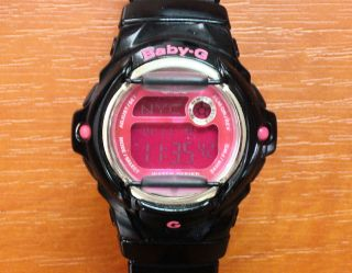Casio Baby G - Shock Armbanduhr - Schwarz/pink - (getragen) Bild